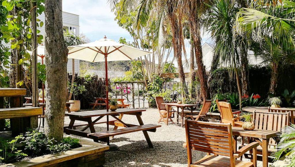 Hones-Garden-Bar.jpg